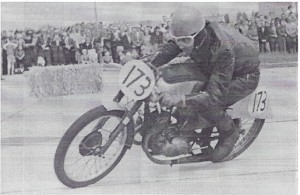 Starter des Flugplatzrennens, D. Schuster
